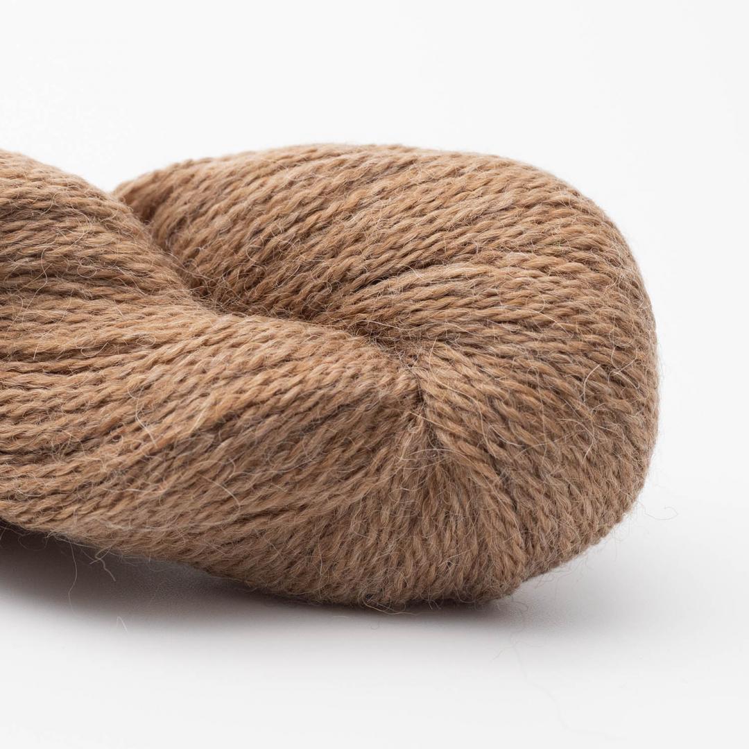 BC Garn Baby Alpaca 10/2 nougat (undyed)